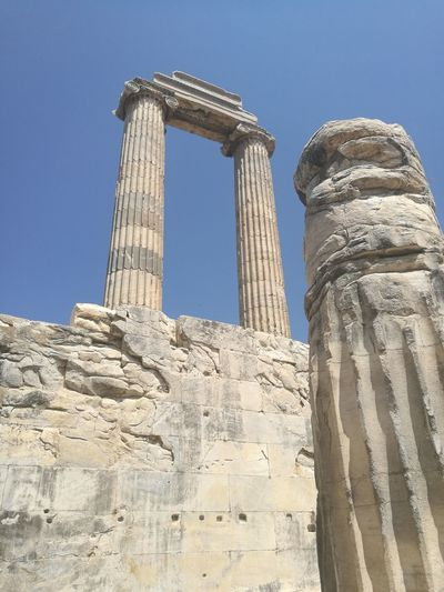 Historical Building History Apollon Tapınağı Apollon Temple Gezinti Ancient Civilization Architectural Column Old Ruin Ancient History Place Of Worship Archaeology Sky Architecture Built Structure