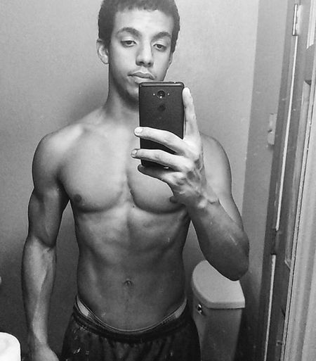 So far so good💪 This one's for the ladies😘 Gains Bulking Weights On Swole Selfie Bored HASHTAG ProfilePic Stillbored FuckHaters Gettingold EXTREMELYBored Goodnight Cuddles Instagram