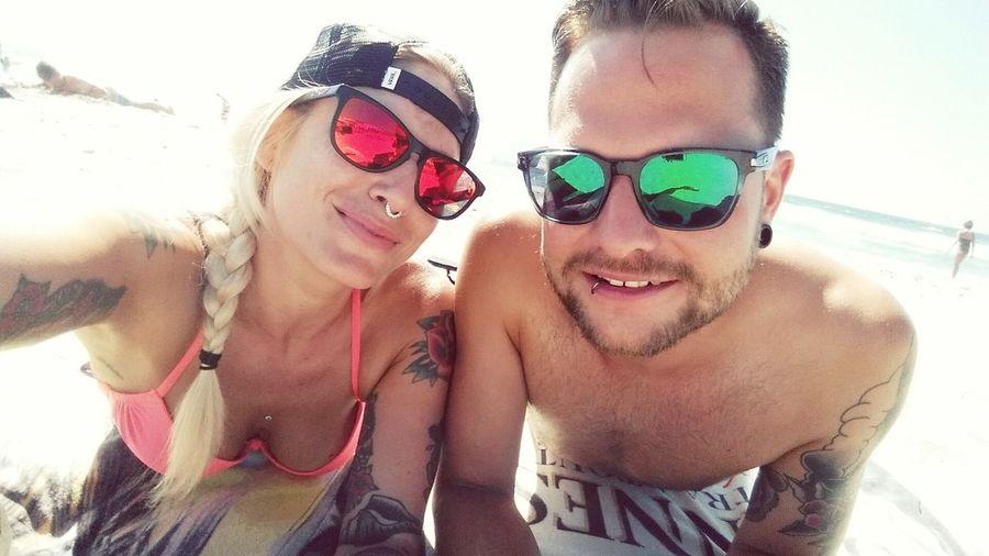 Sunny day at the beach 🌴🌊🌞💖😎 Love Beach Time Beachlovers Chilling California Missionbeach Sand And Sea Braided Hair Braids Style INKEDGIRL Inkedlifestyle Ocean Beach San Diego Oakleysunglasses Vansgirl