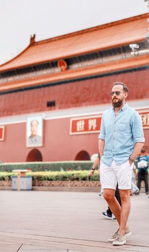 One Person Men Young Men Architecture Lifestyles Casual Clothing Young Adult Handsome Full Length Fashion City Adult Beard Walking Beautiful People Building Exterior Hipster - Person Facial Hair Males  Outdoors