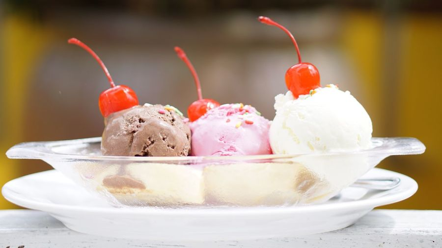 Sweet Food Indulgence Food And Drink Dessert Temptation Freshness Frozen Food Ice Cream Food Red Cherry Dairy Product No People Indoors  Ice Cream Sundae Ready-to-eat Dessert Topping Strawberry Ice Cream