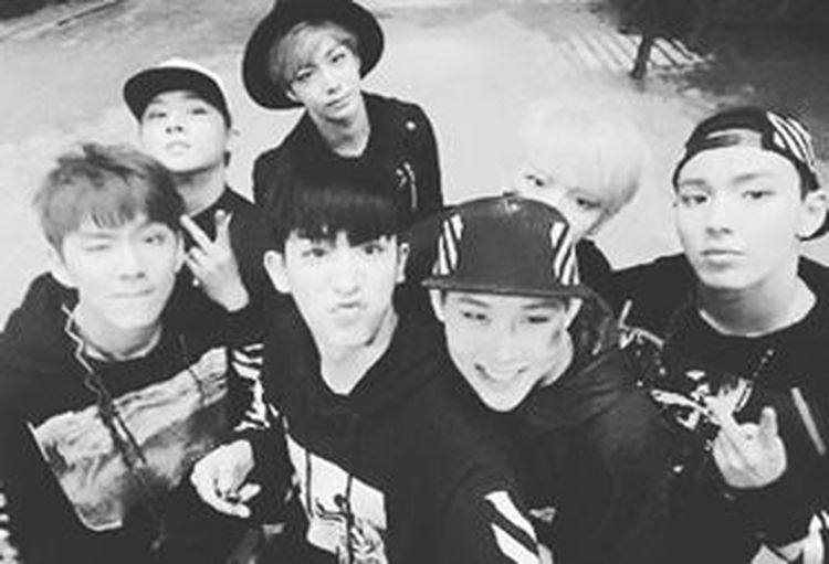 Fan girl mode! Aigoo!! Congrats MonstaX babies!!! ♡♡♡ -it's a throwback picture though xD Seoulmusicawards MonstaX