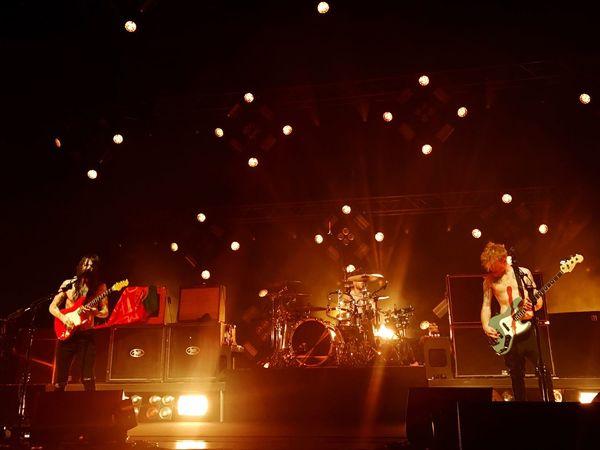 Biffy Clyro 📷: iPhone 7plus Music Arts Culture And Entertainment Illuminated BiffyClyro Simon Neil stage - performance spaceDrum KittMenn PerformanceeSkill l Indoors sEventtReal PeopleeMusical InstrumenttStage Lightt DrummerrMusiciannOnly Menn