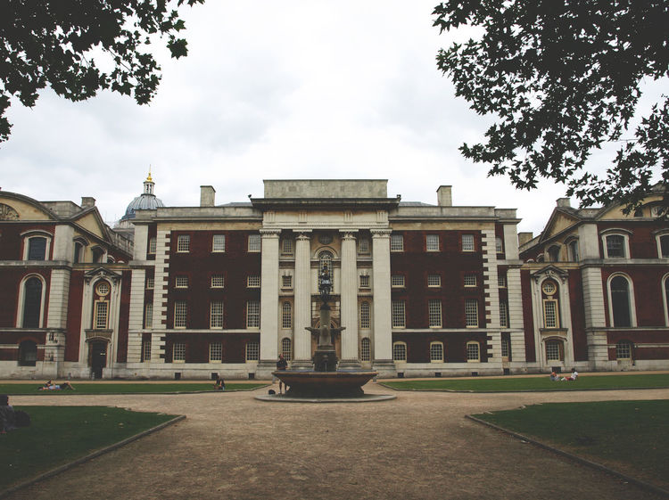 Architectural Column Architecture Baroque Style Building Exterior Built Structure City City Gate City Life Day Façade Greenwich Library London London United Kingdom No People Outdoors Royal Naval College Statue Travel Destinations