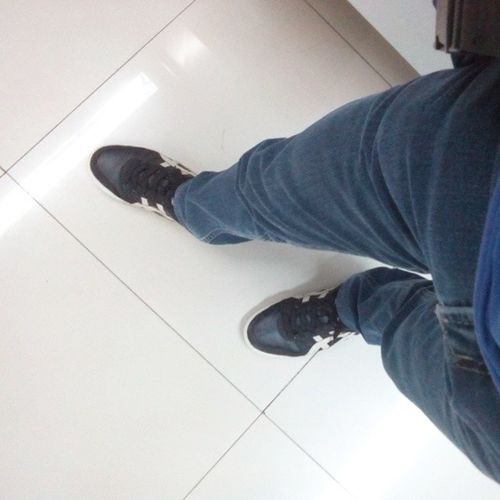 bye out ! Stressfriday Tgif 92614 Shoeselfie haha