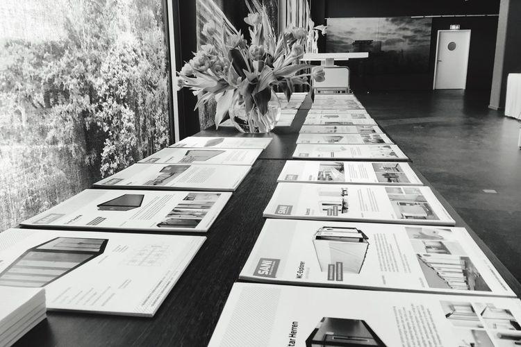 My Smartphone Life Black & White Hausmesse Learning OpenEdit Sani