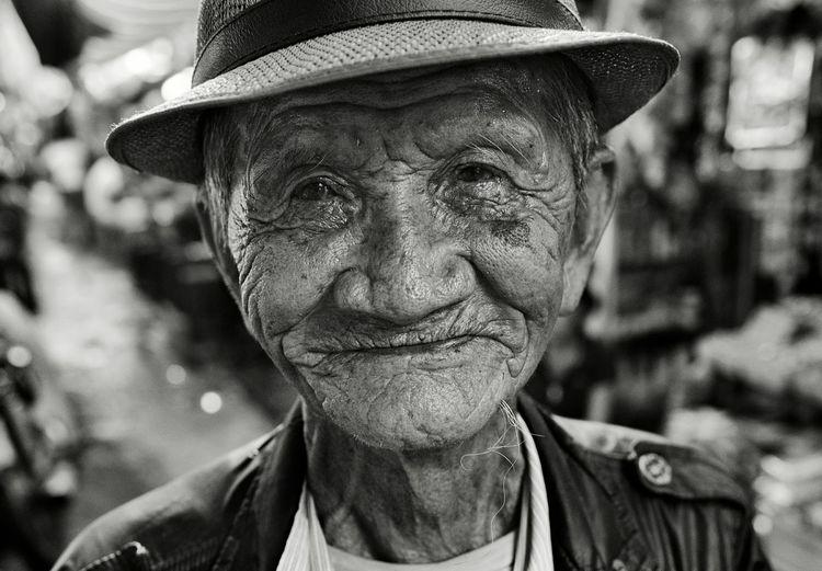 ... Street Photography Street Portrait Streetphotography Streetphotography_bw Streetphoto_bw EyeEm Best Shots - Black + White EyeEm Best Shots - People + Portrait EyeEm Best Shots Humaninterest Blackandwhite The Portraitist - 2016 EyeEm Awards