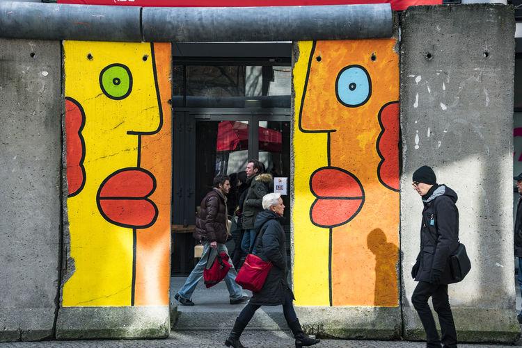 Opposite. Berlin Colors Berlinale People Potsdamer Platz Streetart Streetphotography Colour Your Horizn Mobility In Mega Cities