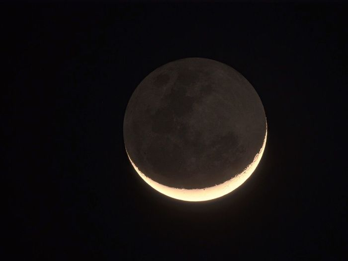 Moon Crescent Moon Nightphotography Astrophotography Light And Shadow Darkness And Light Earthshine EyeEm Nature Lover My Favorite Photo
