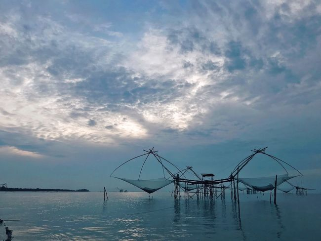Yor Cloud - Sky Sky Water Waterfront Nature Beauty In Nature Tranquility Non-urban Scene Sea Fishing Net