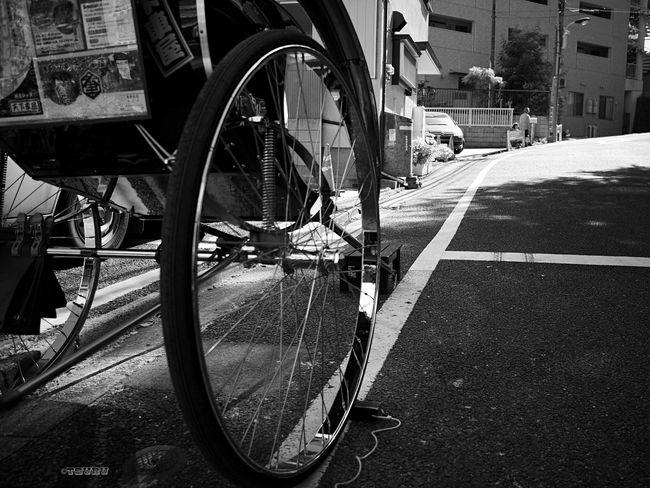 On Your Bike 人力車 Tire Cycle Jinrikisha Streetphotography Streetphoto_bw Monochrome Bnw Street