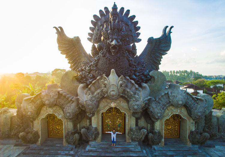 The Statue of Garuda Wisnu Serasi in the city park of Tabanan Bali. ASIA Architecture Bali Bali, Indonesia Hindu Hinduism INDONESIA Silhouette Statue Tabanan, Bali, Indonesia Thai Thailand A Architecture Art Culture Cultures Garuda Gold Colored Religion Sculpture Spirituality Statue Sunrise Vintage Summer Sports EyeEmNewHere