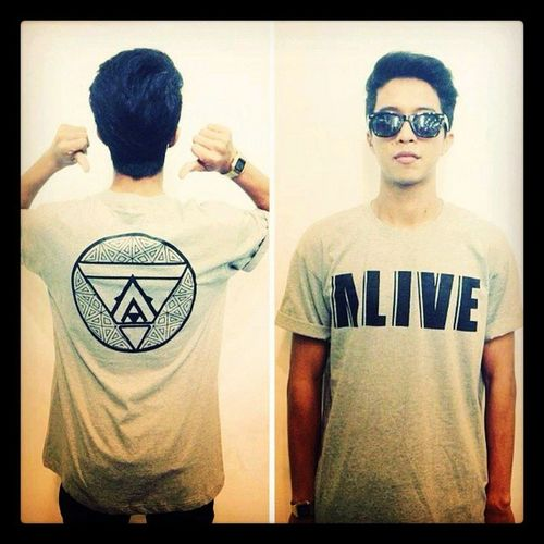 @yazi8 Looking good in ALIVE geometric tee! Alivestreetwearco