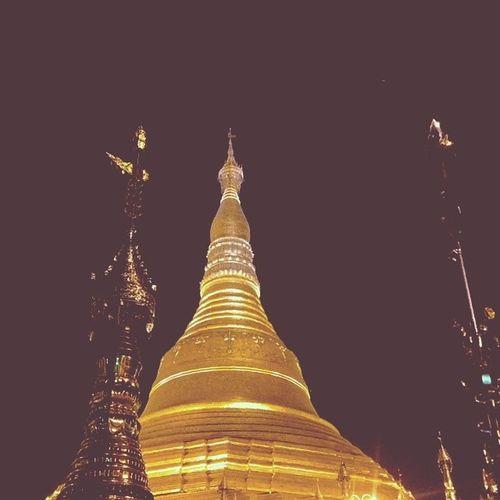 ေရႊတိဂံု Shwedagon Pagoda Night Yangon city myanmar igersmyanmar