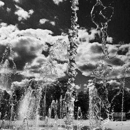 Colmar Water Fountain Brunnen Colmar Sun Blackandwhitephotography Blackandwhite Photography Waterphotography Waterphoto Danceofwaterandlight Danceofwater VSCO Vscogood Vscophotography Photographer Allphotosaremine Blackandwhiteisworththefight
