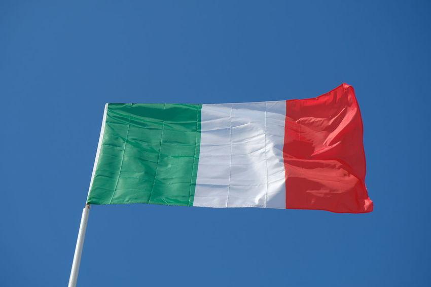 Italian flag waving against blue sky Italia Italy Flag Italy 🇮🇹 National Nationalism Patriotism Blue Blue Sky Clear Sky Day Flag Italian Italian Flag Italy Italy❤️ Italy🇮🇹 No People Outdoors Patriotism Symbol ıtaly