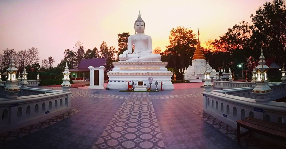 #photosbynummork #dairyp_nud Sculpture Statue Beauty Place Of Worship Gold Religion Arts Culture And Entertainment Cultures Palace Stupa Buddha Historic Royalty Doges Palace Queen - Royal Person Pavilion Cambodian Culture Renaissance Crown Princess Cambodia Eaves Past Pagoda Royal Person Visiting Altar