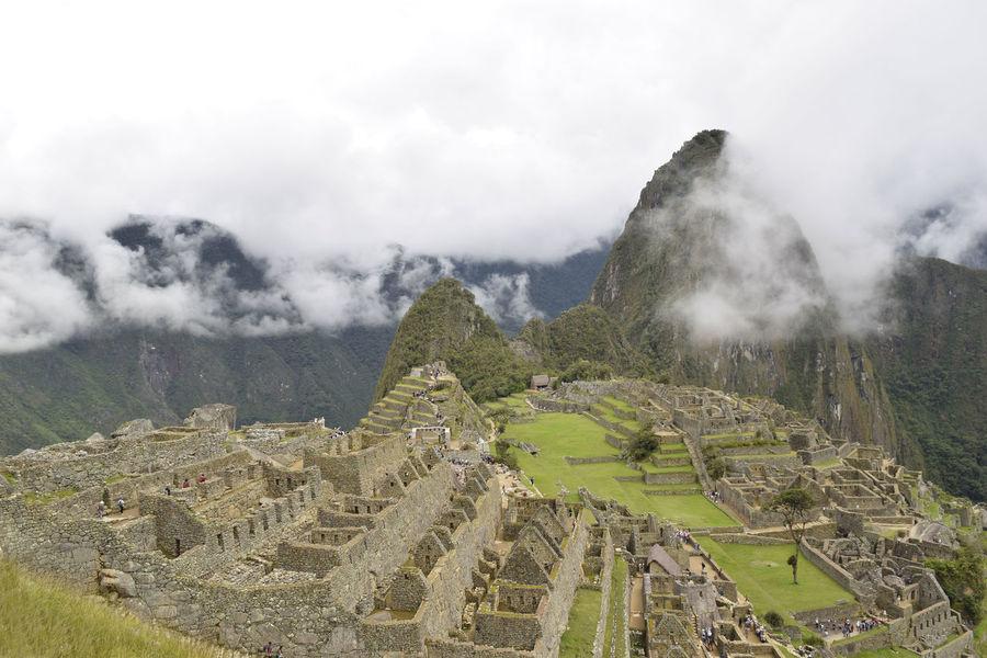 One of the 7 wonders of the world !! Amo viajar y enseñar cada rincon Cusco, Peru Life Llama Peru Machu Picchu Nature Relaxing Rose🌹 Travel Photography World
