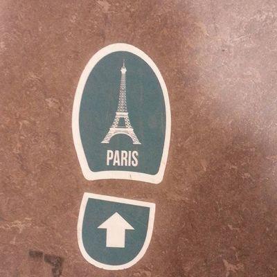 Paris biz geldik! Paris Fransa Cokgezenlerkulubu Travel Zturbirharika Lalalayapmabana Coksoguk Cold Gerginfransizlar Sevmezlerbizi Coktatın Eyfel Ig_paris Ig_france Ig_turkey Traveller Travelgram