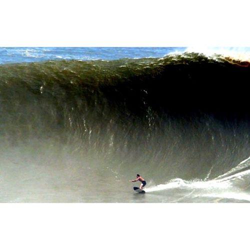 ⋆ ⋆ スキムボードでこの波に乗る? ⋆ ⋆ #ビッグウェーブ#スキムボード