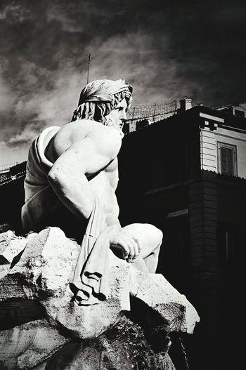 Piazza Navona Square Rome Italy Monuments Great Architecture  Architecture Blackandwhite Followme Like4like Black And White Blackandwhite Photography Travelling Beautiful Beautiful Day Amazing Architecture Town Ancient Buildings Historical Monuments Great Atmosphere Sculpting A Perfect Body Sculpture Art Baroque