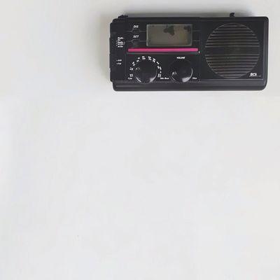 """r e t r o ___________________________________ Halo semua user @instagram dimanapun kelen berada. Kami dari Mata Ponsel regional Medan kembali mengadakan SOR (Sekali uplOad Rame-rame) MP_Medan dengan tema """"Minimal"""" Mataponsel Mp_medan Sor_mp_medan_005 Lets Fun With Our Phone"""