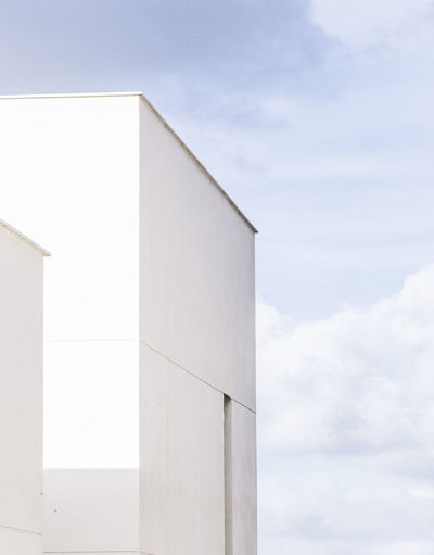 Geometric Architecture Geometric Shapes Minimalist Arc The Graphic City The Graphic City Geometric Architecture Architecture Building Exterior Built Structure Cloud - Sky Day Minimal Minimalism Minimalobsession Nature No People Outdoors Sky White Whitewashed