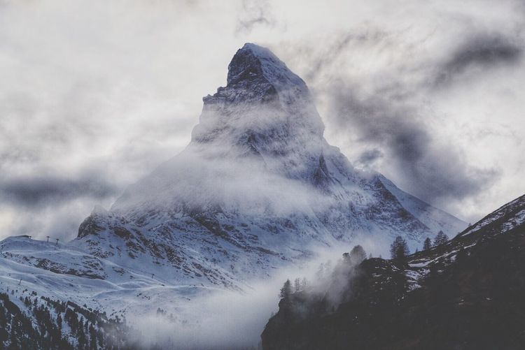 Mountain Snow Snowcapped Mountain Winter Cold Temperature Scenics Sky Mountain Range Tranquility Weather Nature Outdoors Non-urban Scene Cloud - Sky Physical Geography Beauty In Nature Geology Mountain Peak Day Tranquil Scene Matterhorn  Zermatt Switzerland