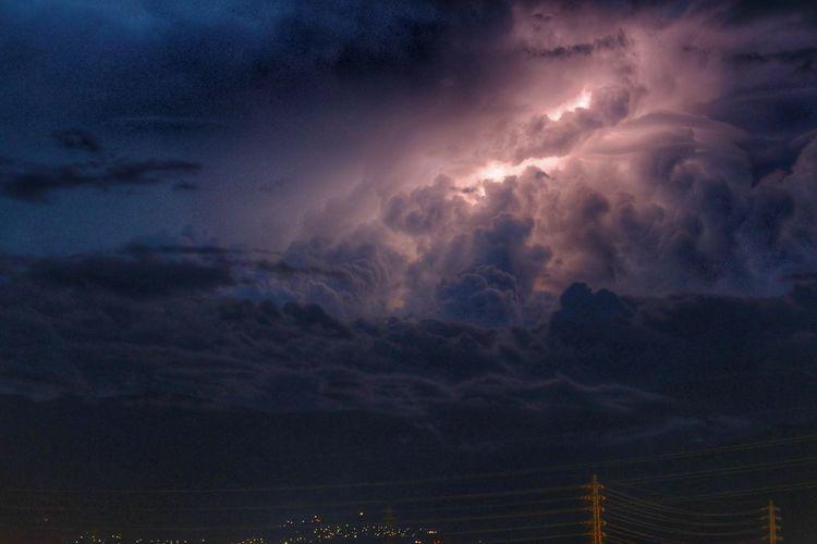 久しぶりにベランダから😆ピカピカ⚡ 鉄塔♡Love いつもの場所 Astronomy City Mountain Oil Pump Sunset Sea Blue Nautical Vessel Sky Cloud - Sky