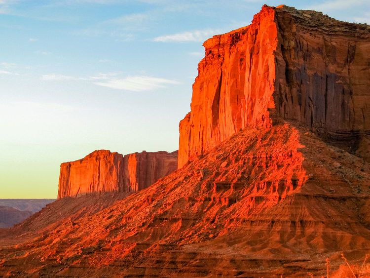 Monument Valley Sunset The Old West Eroded Rocks Sandstone Rocks Rocky Landscape USA Physical Geography Geological Formations Sandstone Rocky Mountains Old West  Rock Formation Wind Erosion Scenic Landscapes Geological Formation Eroded