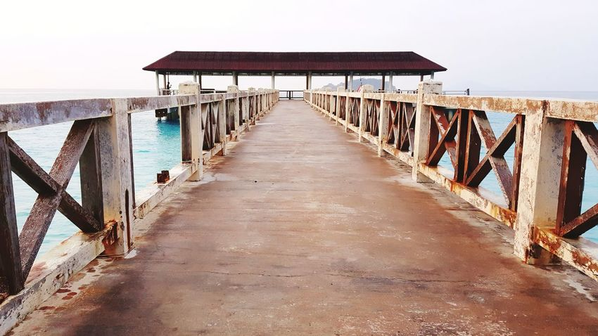 pulau redang jetti at kuala terengganu Jetty Jetty Structure Jetty Structure Jetty View Kuala Terengganu Pulau Redang Redang Island Jetty Area Malaysia Scenery Redang EyeEm Selects Sea Water Beach Sand Wood - Material Clear Sky Pier Sky Architecture Built Structure
