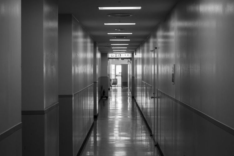 It is rare to find an Empty Corridor in the centre of Tokyo. Architecture Blackandwhite Bw Corridor Empty Modern Monochrome No People Reflection The Secret Spaces