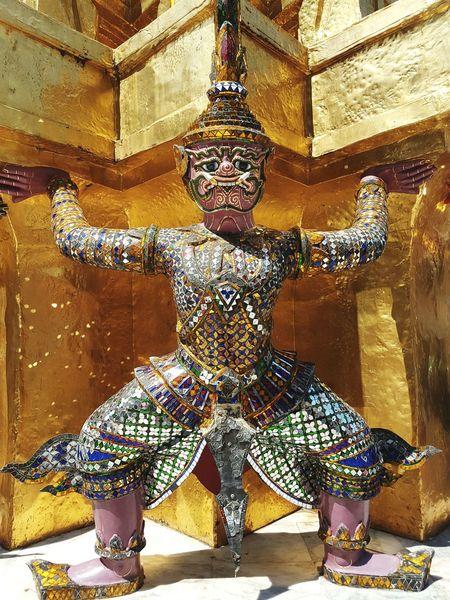Bangkok Grandplace Gold Colored Statue Architecture Sculpture Temple Gold Smaragd