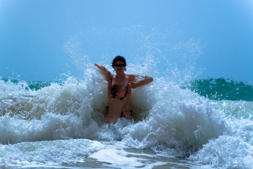 Blue Sky Blue Wave Droplet Droplets Ocean Parent And Child Summer Waves