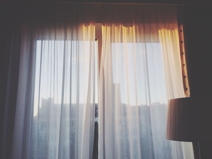 早上醒来在一个陌生的环境下别有味道 Enjoying Life