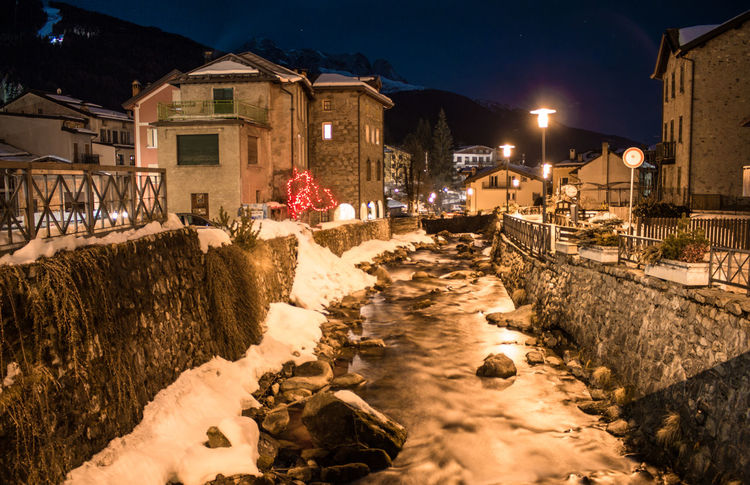 Ponte Di Legno TOWNSCAPE Architecture Building Building Exterior Built Structure City Cold Temperature House Illuminated Landscape Light Lighting Equipment Nature Night No People Outdoors Residential District Snow Snowcapped Mountain Street Street Light Town Transportation Winter
