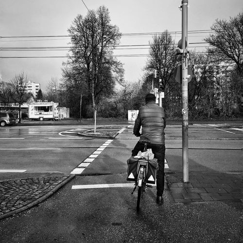 Day 12 - Ready to go. - iPhone 6 - Native Camera App - Snapseed Edit App IPhone IPhoneography IPhone Photography IPS2016Street Streetphotography Street Photography Streetphoto_bw Street München germany