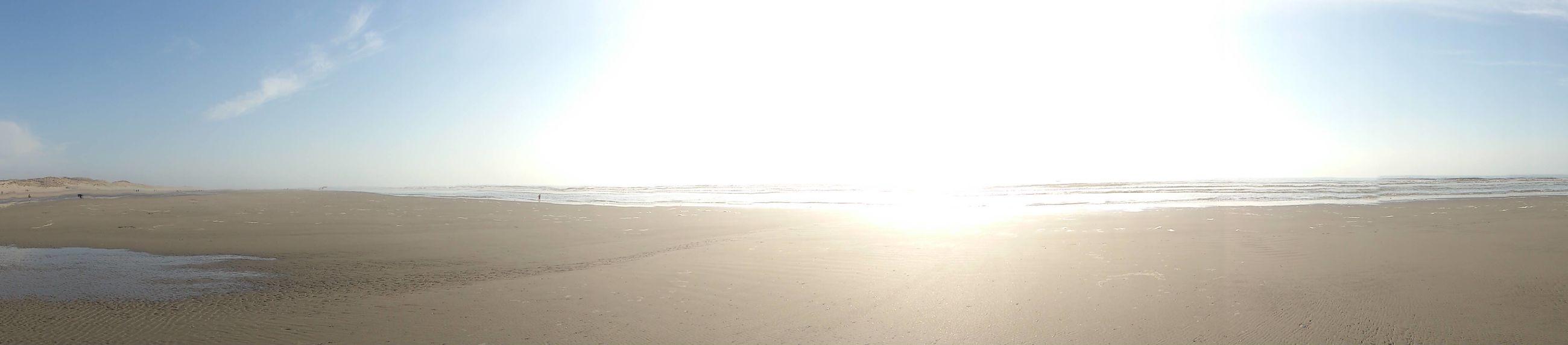 sun, beach, sea, water, tranquil scene, scenics, tranquility, sunlight, sunbeam, horizon over water, beauty in nature, sand, sky, shore, nature, lens flare, idyllic, sunny, reflection, outdoors