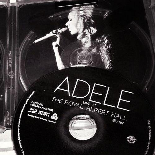 Never mind,l'll find someone like you...... Adele Concert ควรเก็บ สุดยอด น้ำตาคลอ Goodnight Goodmood