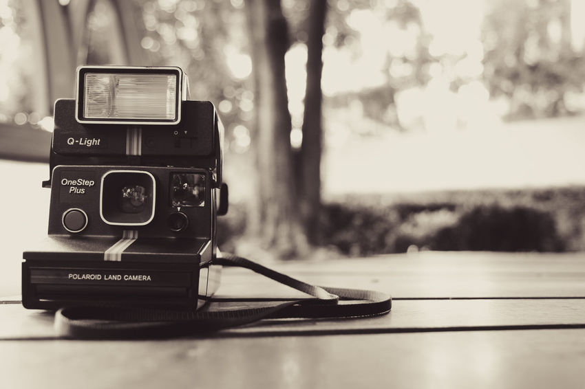 Analog Antique Camera - Photographic Equipment Camera Film Close-up Equipment No People Old-fashioned Photographic Equipment Photography Themes Polaroid Polaroid 600 Polaroid Camera Polaroid Photography Polaroid Pictures Polaroidcamera Retro Styled Technology