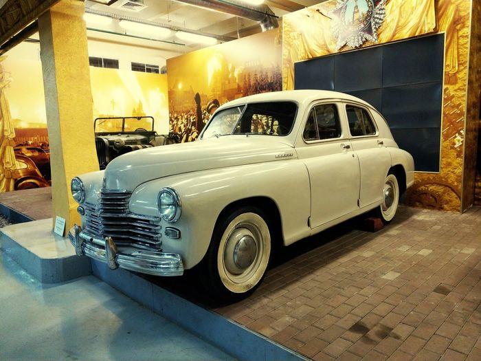 "Легенда советского автопрома ""Победа"" Legendary Legendary Car Rarity Racecar Land Vehicle Car Stationary Vintage Car Collector's Car Parking"