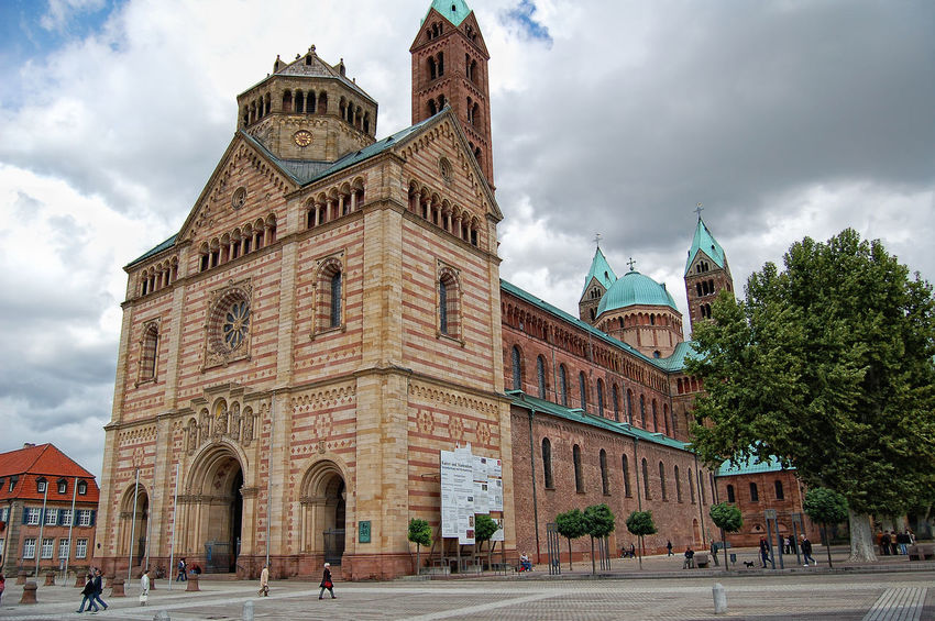 Cityscape of Speyer (Rhineland-Palatinate, Germany) with Cathedral Cathedral Dom Zu Speyer Speyer, Germany Speyerer Dom Architecture Building Exterior Built Structure Dome History Outdoors Place Of Worship Religion Speyer Spirituality