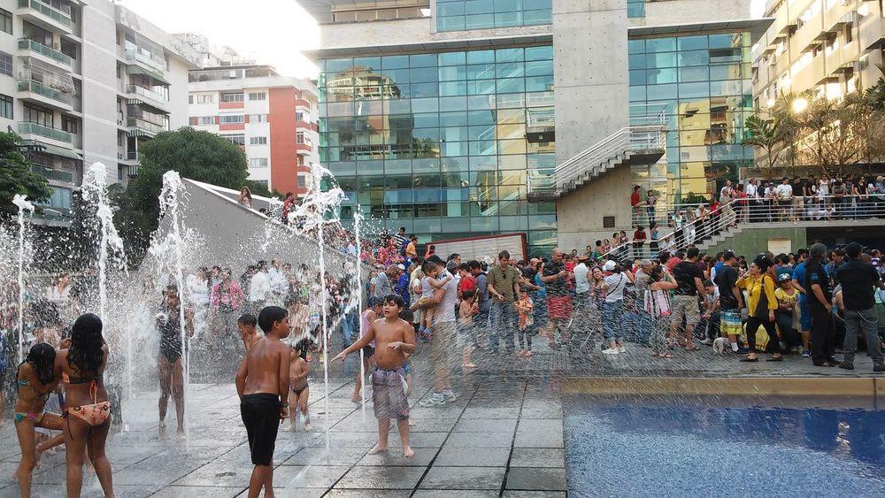 Tarde en la del lunes 08/02/16. Carnaval Chacao  LgG2Vzla LGoptmus Insta_ve Instagram_ve