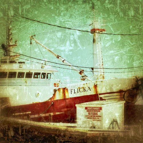 FLICKA THE FISHING BOAT!! Allaboutthename Flickruser Red Goingfishing Fishingboats SomewhereinNJ Forsale Oldandrusty Ilovefishingboats Njwetland Njwaterway Njinstagramer