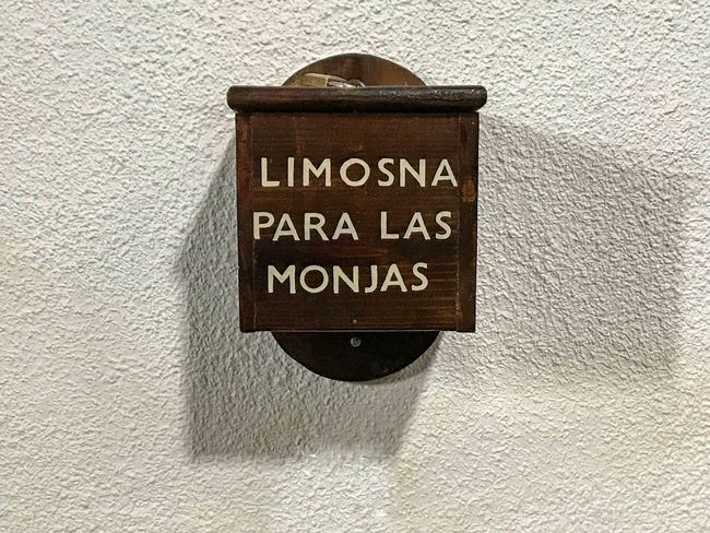 Limosna para las monjas... ALMS Nun Charity Alms Bowl Architectural Detail Religion Ornaments Religious Architecture Church Spirituality Building Heritage Christianity EyeEm Best Shots EyeEmNewHere Text Communication Wall - Building Feature Sign Textured  Built Structure Architecture Wall Information Hanging Script Capital Letter Rough