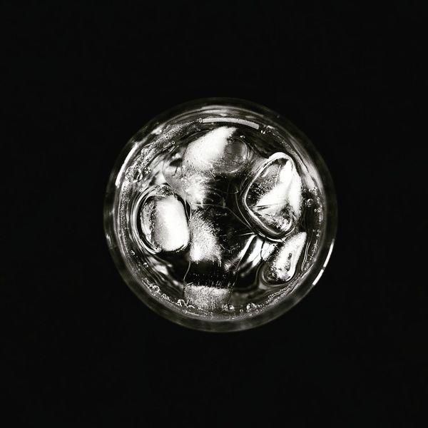 CRISP SHOT! Glassshot Icycold HighKeyMuch Contrast Blackandwhite