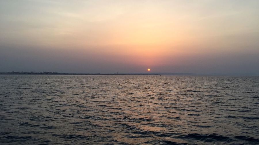 Sunset 🌅 Sunset Horizon Over Water Travel Destinations Sea Beauty In Nature Sun Water