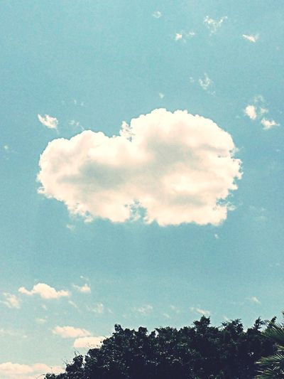 Love is everywhere... Hello World Clouds And Sky Love Is Un The Air🎵 Check This Out Love Beautiful Mexico