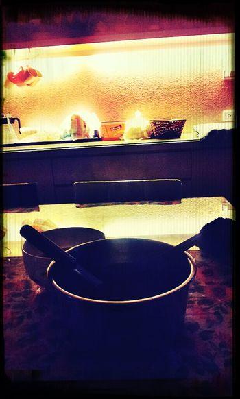 吃著奶奶煮的獅子頭 和我煮的辛拉麵 真是完美的組合!!~^^