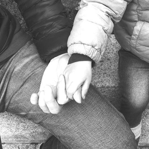 仲良し 手 父子 親子 Human Body Part Human Hand Hand This Is Family People Close-up Child